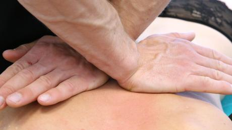 Für die Physiotherapie in den Krankenhäusern gibt es unterschiedliche Lösungen im Klinikverbund Allgäu. Häufig werde mit lokalen Firmen zusammengearbeitet. In Ottobeuren, Mindelheim und Sonthofen beschäftigen die Kliniken eigene Leute für diese Aufgaben.