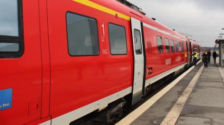 Im Bereich des Augsburger Hauptbahnhofs kommt es zu Verzögerungen und Teilausfällen.