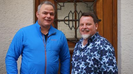 Trainer Jürgen Reisach (links) wird in den nächsten Wochen versuchen, MZ-Redakteur Ulf Lippmann in Schwung zu bringen. Der bekennende Sportmuffel wird von seinem Fitness-Experiment regelmäßig berichten.