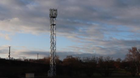 Bei Rammingen hat die Telekom vor Kurzem einen Funkmast gebaut. Auch hier hatte der Gemeinderat auch auf Druck der Bevölkerung dafür gesorgt, dass der Sendemast weit genug weg von der nächsten Wohnbebauung errichtet wurde.