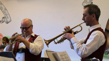 """Sie glänzten bei den """"Silbernen Trompeten"""" mit einem Solo: Werner Zingerle und Timo Natterer."""