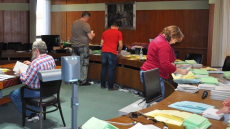 Die Bürgermeisterwahl in Bad Wörishofen ist ausgezählt, doch die Wahlhelfer haben noch einen langen Abend vor sich.