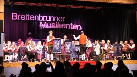 Die Breitenbrunner Musikanten hatten Glück, sie konnten ihr Jahreskonzert noch ungestört veranstalten. Die Gäste im Haus der Vereine genossen das bunte Programm und belohnten die Musiker mit viel Applaus.