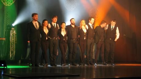 Andrew Vickers und seine Mittänzer begeisterten die Gäste im Forum mit irischen Tänzen Gesang und Livemusik.