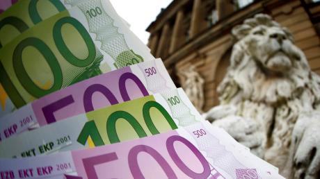 Banken dürfen unter Umständen unbefristete Sparverträge kündigen.