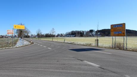 Die Verkehrsführung an der Einmündung der Ortsverbindungsstraße von Türkheim in die MN10 bleibt ein Zankapfel zwischen Gemeinde und dem Landratsamt. Die Wiedergeltinger fordern in diesem Bereich eine Geschwindigkeitsbegrenzung auf der MN10 und Stoppschilder.