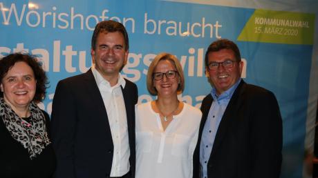CSU-Kreisvorsitzender Franz Josef Pschierer (rechts) mit Stefan Welzel und dessen Frau Martina Echteler-Welzel.