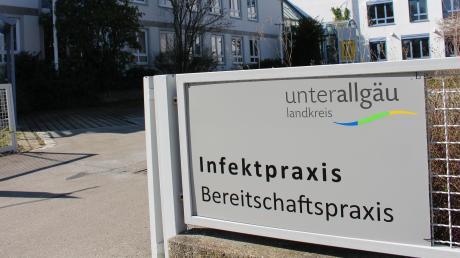Im ehemaligen Verwaltungsgebäude der Baufirma Riebel in Mindelheim ist nun die neue Infektpraxis des Landkreises Unterallgäu beheimatet. Hier sollen Patienten mit Symptomen auf das Corona-Virus getestet werden.