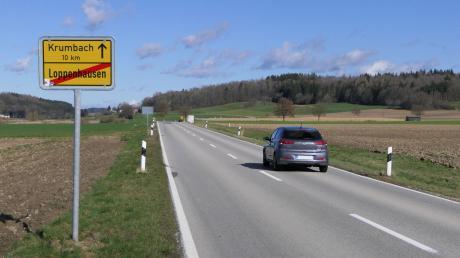 Lange war es eine Hängepartie, nun kommt Bewegung in die Sache: Vom bayerischen Baustaatssekretär Klaus Holetschek kam nun die Zusage, dass die B 16 zwischen Loppenhausen uns Aletshausen heuer doch saniert wird.