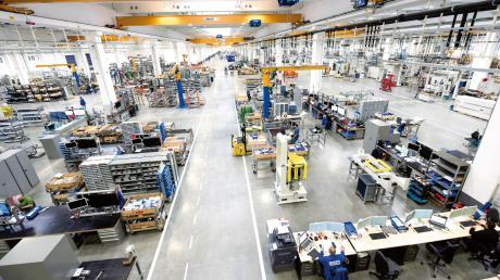 Ein Blick in Halle 13 der Grob-Werke: Mindelheims größter Arbeitgeber steht nach eigenen Angaben vor der größten Herausforderung seiner Unternehmensgeschichte.