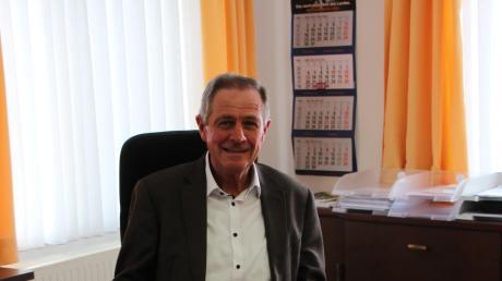 Nach zwölf Jahren verabschiedet sich Kammlachs Bürgermeister Josef Steidele in den Ruhestand. Er war der erste Unterkammlacher, der das Amt seit 1978 innehatte. Seine Nachfolgerin Birgit Steudter-Adl Amini stammt aus Oberkammlach.