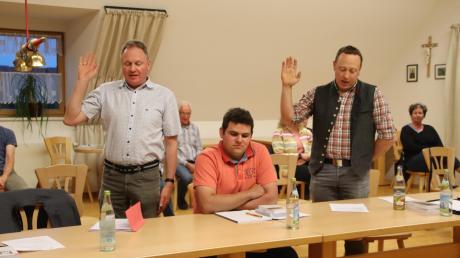 Mit Manuel Rauscher (rechts) als Zweiter Bürgermeister und Christian Reiber als Dritter stehen dem Ramminger Bürgermeister Anton Schwele nun zwei Stellvertreter aus den Reihen der UWG/FWG zur Seite. Ulrike Degenhart von der Bürgerliste fand keine Mehrheit.