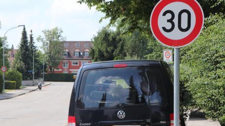 In Bad Wörishofen gilt praktisch flächendeckend Tempo 30. Die kommunale Verkehrsüberwachung sorgt dafür, dass sich die Verkehrsteilnehmer auch an das Tempolimit halten.