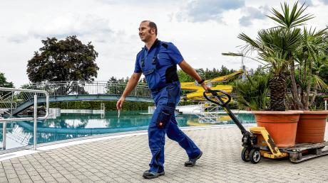In den vergangenen Wochen haben Thorsten Scharper und seine Kollegen das Erlebnisbad Neugablonz gründlich auf Vordermann gebracht.