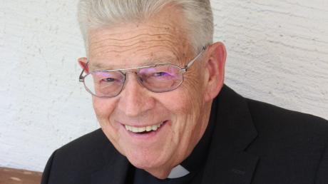 Monsignore Ortwin Gebauer ist eine echte Frohnatur. Der weithin bekannte Priester feiert heute ein besonderes Jubiläum.