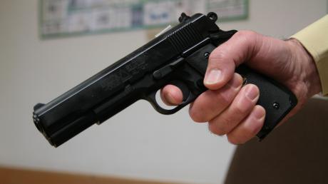 Soft-Air-Pistolen sehen echten Schusswaffen verblüffend ähnlich.
