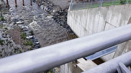 Das jetzt fertiggestellte Rückhaltebecken in Eldern bei Ottobeuren (Unterallgäu) gehört zu einem 60 Millionen Euro teuren Hochwasser-Schutzprojekt an der Günz.