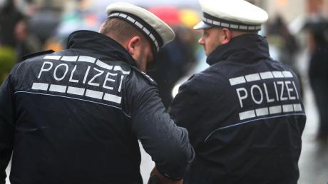 Gleich mehrmals sind am vergangenen Wochenende in der Region Polizisten angegriffen worden.