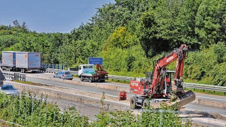 Für den Umbau des Autobahnkreuzes bei Memmingen haben die Vorarbeiten begonnen.