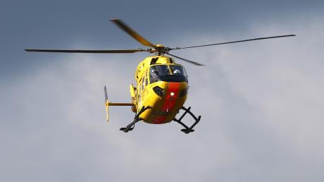 Mit einem Rettungshubschrauber wurde ein schwer verletzter Off-Road-Fahrer in eine Spezialklinik gebracht.