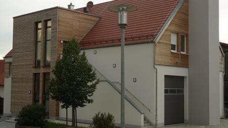 Das Obergeschoss des neuen Feuerwehrhauses im Ortsteil Mattsies soll für den Gemeinderat umgebaut werden. Ein neues Feuerwehrauto wird ebenfalls bald bestellt.