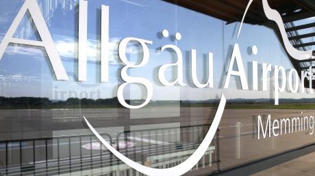 Einhaltung der Corona-Regeln: Ein Fluggast übt Kritik am Allgäu Airport und der Flughafenpolizei.