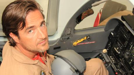 Im Normalflugbetrieb bei Grob Aircraft in Mattsies, zum Beispiel mit der G-120 TP, ist Pilot Tom Reinert in der Regel ohne Maske unterwegs.