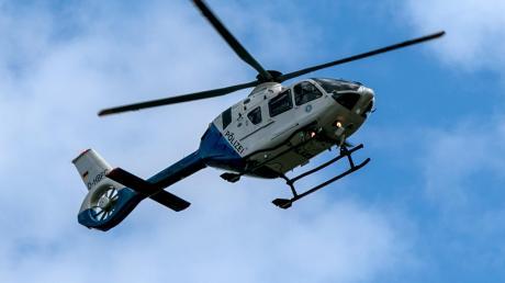 Eine Zeuge hatte aus einem Waldstück in Margertshausen ängstliche Schreie gehört. Die Polizei setzte bei der Suche auch einen Hubschrauber ein.