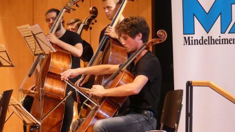 """Natürlich gab es bei """"Kinder spielen für Kinder"""" im Kursaal von Bad Wörishofen auch viel zu hören. Dafür sorgte das vbw-Festivalorchester."""