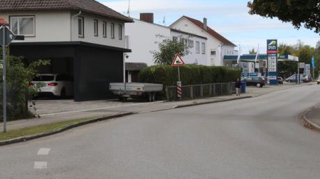 Dieser Teil der Bad Wörishofer Straße ist nicht zuletzt wegen der Tankstelle als Mischgebiet ausgewiesen. Und so soll es nach Willen des Türkheimer Bauausschusses auch bleiben