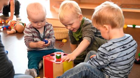Die Arbeiten am Krippenanbau am Pöttmeser Kindergarten Spatzennest gehen voran. Das teilte Pöttmes' Bürgermeister Mirko Ketz mit.