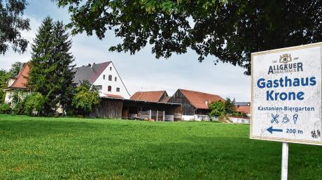 """Als eines von insgesamt nur sechs Modellprojekten bundesweit ist das rund ein Hektar große Kronen-Areal im Herzen der Marktgemeinde Erkheim für das Forschungsvorhaben """"Zukunft im Bestand"""" ausgewählt worden."""