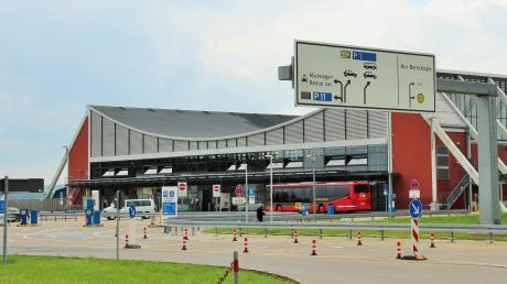 Der Memmingerberger Gemeinderat hat der Ausweitung der Parkplatzkapazitäten im Bereich des Allgäu Airport zugestimmt.
