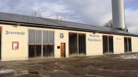 Das Feuerwerhaus in Eppishausen ist in die Jahre gekommen und entspricht nicht mehr den Vorschriften. Die Gemeinde will ein neues Feuerwehrhaus bauen. Umstritten ist noch die Frage, ob man Feuerwerhaus und Bürgerhaus zusammen baut.