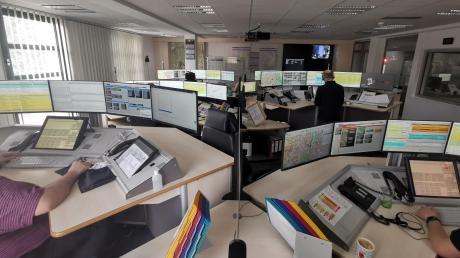 Die integrierte Leitstelle in Krumbach: Von hier aus werden Hilfseinsätze in der gesamten Region Donau-Iller organisiert.