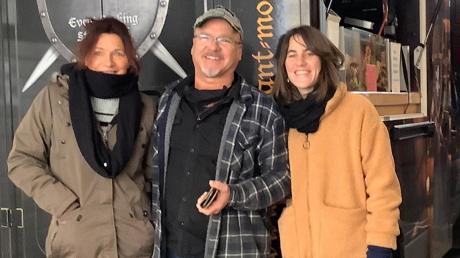 Familie Kinzel hat Essen für Obdachlose in Augsburg spendiert. Die Aktion hat ihren Ursprung in Mindelheim.