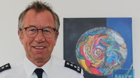 """Mindelheims scheidender Polizeichef Gerhard Zielbauer hat die Aktion """"MuT"""", Menschen und Taten, zusammen mit Mindelheimer Organisationen ins Leben gerufen. Damit werden Menschen ausgezeichnet, die mit Courage anderen geholfen haben."""