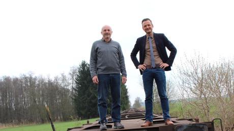 Markt Walds Bürgermeister Peter Wachler (rechts) und sein Stellvertreter Michael Hartmann wollen seit Jahren die Staudenbahn zwischen Markt Wald und Ettringen reaktivieren.