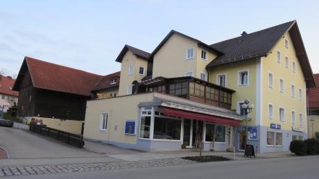 Das Büchele-Anwesen an der Hauptstraße von Bad Wörishofen ist ein großes Ensemble mit einer beeindruckenden Geschichte, die mit der Stadtgeschichte eng verbunden ist.