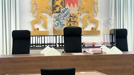 Das Landgericht Memmingen, wo sich ein Bad Wörishofer verantworten muss, der drei Frauen teils lebensgefährlich verletzt haben soll.