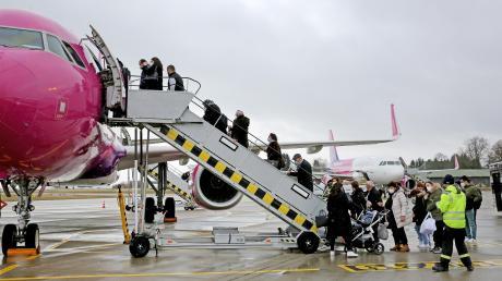 Am Allgäu Airport fliegen derzeit bis zu acht Maschinen täglich ab. Fast ausschließlich handelt es sich dabei um Flugzeuge der Wizz Air, die Ziele in Südosteuropa ansteuern.