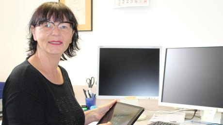 Claudia Fußwinkel ist auf der Suche nach nicht mehr gebrauchten Computern und Tablets, um sie an Bedürftige weiterzugeben.