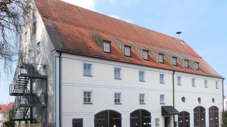 Das Feuerwehrhaus in Pfaffenhausen hat bald ausgedient. Der Marktrat hat den Weg für einen Neubau frei gemacht.