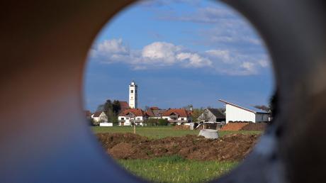 Baustelle ineinem Türkheimer Neubaugebiet. Die Gemeinde verkauft überraschend nochmals Bauland.