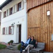 Thomas Böse ist ein echter Kneipp-Fan. Zusammen mit seiner Frau Gabriele Dorner wohnt er in Unterkammlach im Geburtshaus von Xaver Kneipp, dem Vater des berühmten Wasserdoktors.