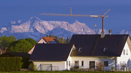Wer will hier nicht gerne wohnen: Bauplätze in Türkheim sind gesucht und damit sich auch junge Familien und weniger Betuchte einen Bauplatz leisten können, hat die Marktgemeinde ihre Vergaberichtlinien für gemeindeeigene Grundstücke nachgeschärft.