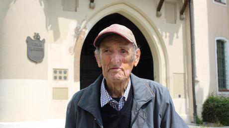 Maximilian Loibl ist 94 Jahre alt. Als junger Bursche lebte er nach einer schweren Kriegsverletzung auf der Mindelburg. Dort wurde er in zahllosen Operationen zurück ins Leben geholt.