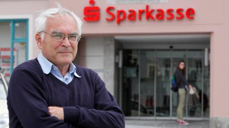 Der Landsberger Rainer Gottwald ist in Bayern als Sparkassenkritiker bekannt. Auch zur geplanten Fusion der hiesigen Sparkassen hat er Beschwerde eingelegt.