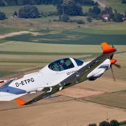 Zuverlässige Flugzeuge aus Faserverbundstoffen wie das G120TP können die Techniker und Ingenieure aus Mattsies schon seit vielen Jahren bauen. Nun aber setzt das Unternehmen verstärkt auch auf die Pilotenausbildung in mehreren Ländern.