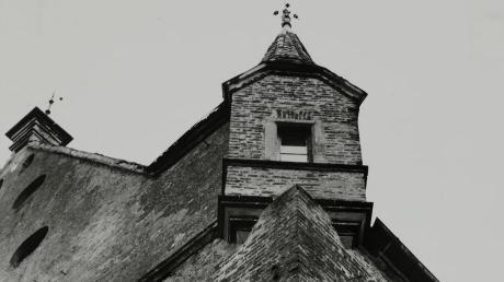 Alte Fotos geben wertvolle Hinweise, wie die Mindelburg früher ausgesehen hat. Dieses Bild zeigt die Fassade.